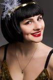 Красивая девушка в мюзикл Чикаго стиля платья Стоковое Изображение