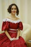 Красивая девушка в старом платье Стоковые Изображения