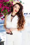 Красивая девушка в центре города Стоковое фото RF