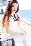 Красивая девушка в центре города Стоковая Фотография RF