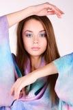 Красивая девушка в ярких одеждах Стоковые Фото
