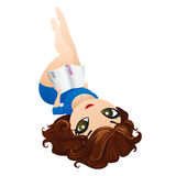 Красивая девушка лежа вниз и читая книгу иллюстрация вектора