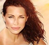 Красивая девушка на пляже Стоковое Изображение RF