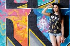 Красивая девушка на улице Стоковое Изображение RF