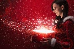 Красивая девушка с волшебной коробкой Стоковые Фото