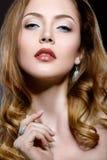 Красивая девушка с совершенным составом кожи и вечера Стоковые Фотографии RF