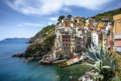 Красивая деревня Riomaggiore в Cinque Terre, Италии Стоковое Изображение RF