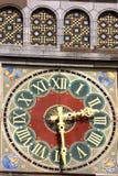 Красивая деталь, часы с римскими цифрами на поезде s Амстердама Стоковое Изображение