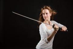 Красивая женщина в белой рубашке Стоковое Изображение