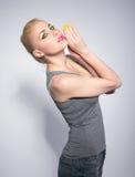 Красивая женщина, в студии, состав в восточном стиле Стоковое Изображение RF