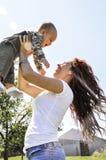 Красивая женщина, красивая мать Стоковые Изображения RF