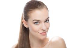 Красивая женщина с длинный усмехаться прямых волос Стоковая Фотография RF