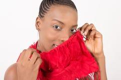 Красивая женщина с красной вуалью на ее стороне стоковое изображение rf