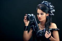 Красивая женщина с стилем причёсок filmstrips Стоковое Фото