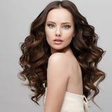 Красивая женщина с чистой свежей кожей Стоковое Фото
