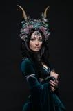 Красивая женщина эльфа фантазии в флористической кроне Стоковое Изображение
