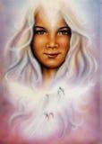 Красивая живопись молодой женщины с летанием нырнула стоковая фотография