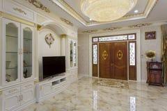 Красивая живущая комната в новом доме Стоковая Фотография RF