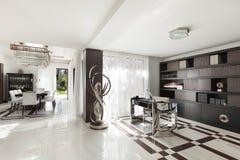 Красивая зала роскошной квартиры Стоковые Изображения