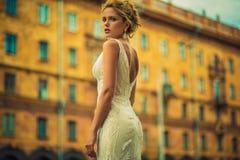 Красивая и стильная дама стоковые изображения rf
