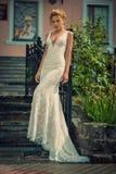 Красивая и стильная дама стоковая фотография rf