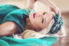 Красивая и стильная дама стоковое фото rf