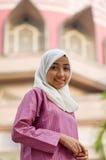 Красивая и сладостная азиатская дама мусульман Malay Стоковое Изображение RF