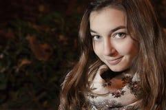 Красивая кавказская девушка с длинными волосами Стоковое фото RF