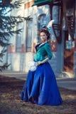 Красивая кавказская девушка одетая в стиле рококо Стоковая Фотография RF