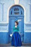 Красивая кавказская девушка одетая в стиле рококо Стоковое Изображение RF