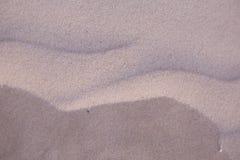 Красивая картина белого песка на пляже Балтийского моря Стоковые Изображения RF