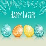 Красивая карточка пасхи с покрашенными пасхальными яйцами Стоковые Фото