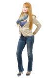 Красивая коммерсантка детенышей и redhead в джинсах стоковая фотография