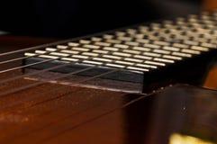 Красивая красная гитара и свои части Предпосылка гитары Строки гитары стоковое изображение rf