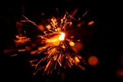 Красивая красная свеча бенгальского огня Стоковые Фотографии RF