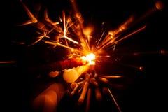 Красивая красная свеча бенгальского огня Стоковое фото RF
