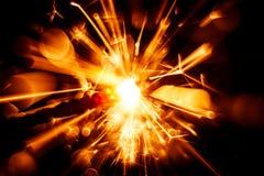 Красивая красная свеча бенгальского огня Стоковое Изображение RF