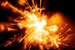 Красивая красная свеча бенгальского огня Стоковые Изображения RF