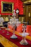 Красивая кристаллическая свеча установила в античную домашнюю установку стоковые изображения rf