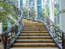 Красивая лестница расположенная в Бандунге, Индонезии стоковое фото