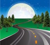 Красивая луна поднимая, дорога шоссе в сельской сцене иллюстрация штока