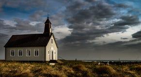 Красивая маленькая часовня в Исландии Стоковое Изображение