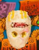Красивая марионетка черепа цвета стоковая фотография rf