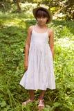 Красивая маленькая девочка в шляпе Стоковое Изображение RF