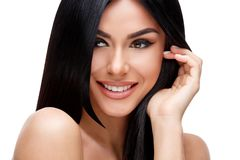 Красивая молодая женщина с чистыми здоровыми волосами Стоковые Изображения