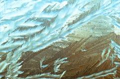 Красивая морозная естественная картина на стекле окна Стоковое Изображение RF