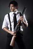 Красивая модель стиля гангстера стоковое фото