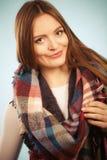 Красивая модель с одеждами зимы Стоковое Изображение RF