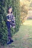 Красивая молодая женщина в парке лета Стоковое Изображение