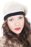 Красивая молодая женщина в пальто Стоковые Фото
